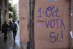Independence referendum paintings in barcelona. Wall painting pro referendum in a central street wall the day prior to the banned pro independence referendum day Stock Photography