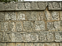 Wall of Skulls a Chichen Itza Yucatan, Messico Royalty Free Stock Photo