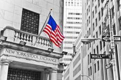 Wall Street e Bolsa de Nova Iorque fotos de stock royalty free