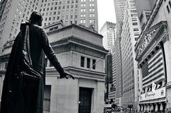 Wall Street en Manhattan Nueva York Foto de archivo libre de regalías