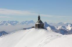 Wallberg del picco di montagna con la cappella nell'inverno Fotografia Stock Libera da Diritti