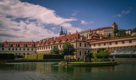 Wallenstein slottträdgård i Prague arkivfoton