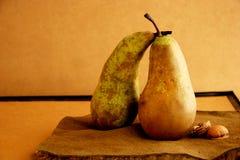 Wallnuts de la American National Standard de las peras fotografía de archivo