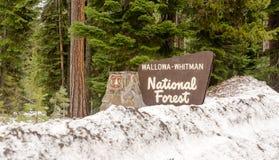 Wallowa Whitman Natinal wejścia Lasowego znaka Oregon Rubieżny stan obraz stock