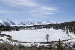 Wallpaper winter lake in the Altai mountains Royalty Free Stock Photo