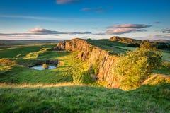 Walltown Crags pod Hadrian ` s ścianą obraz stock