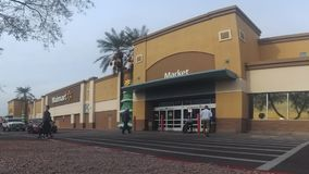 Walmart-Geschäftsgebäudeäußeres stock video footage