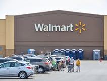 WalMart lager och logo Royaltyfri Fotografi