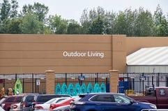 Walmart Openlucht levende afdeling stock foto