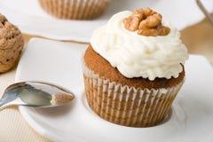 Walnuss-Muffins lizenzfreie stockbilder