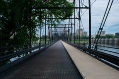 Walnuss-Straßen-Brücke in Harrisburg, Pennsylvania, das zu Stadt führt lizenzfreies stockbild