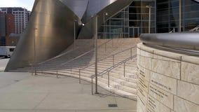 Walt Disney Concert Hall em Los Angeles - CALIFÓRNIA, EUA - 18 DE MARÇO DE 2019 vídeos de arquivo
