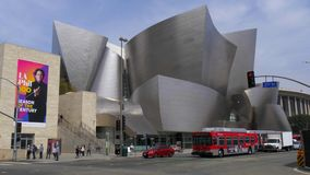 Walt Disney Concert Hall em Los Angeles - CALIFÓRNIA, EUA - 18 DE MARÇO DE 2019 filme