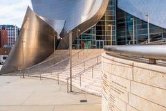 Walt Disney Concert Hall em Los Angeles - CALIF?RNIA, EUA - 18 DE MAR?O DE 2019 fotos de stock