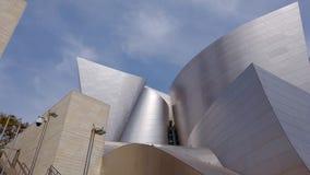 Walt Disney Concert Hall na baixa de Los Angeles - LOS ANGELES, EUA - 1º DE ABRIL DE 2019 video estoque