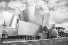 Walt Disney Concert Hall op een bewolkte dag Royalty-vrije Stock Foto