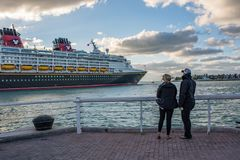 Walt Disney Cruise Ship royaltyfri foto