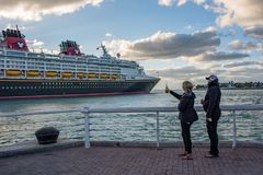 Walt Disney Cruise Ship Royaltyfria Foton