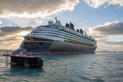 Walt Disney Cruise Ship Arkivbild