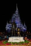 Walt och Mickey staty Royaltyfria Bilder