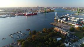 Walt Whitman Bridge Delaware River South Philadelphia för flyg- sikt PA lager videofilmer