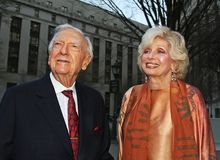 Walter Cronkite and Joanna Simon Royalty Free Stock Images
