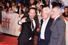 Walton Goggins, Richard Gere och Jon Avnet på för Kristus` för ` tre premiären på TIFF17 Royaltyfria Foton