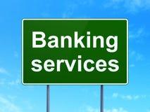 Waluty pojęcie: Bankowość usługa na drogowego znaka tle Obraz Royalty Free