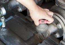 Walv da rotação do uso da mão na indústria do matchine imagens de stock royalty free