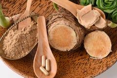 WAN-chak-mot-luk (nome tailandês) (xanthorrhiza Roxb da curcuma ) Hastes, secadas e pulverizadas Imagens de Stock