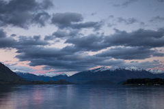 Wanaka del lago all'alba fotografia stock