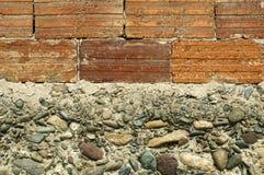 Wand der Ziegelsteine und der Steine Lizenzfreie Stockfotos