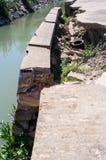 Wand des Bewässerungsabzugsgrabens Stockfotografie