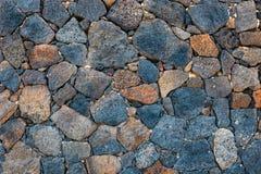 Wand des vulkanischen Felsens des Basalts Stockfotografie