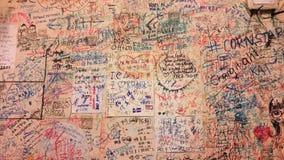Wand in einem kleinen asiatischen Café Stockbild