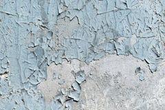 Wand gemalt mit grauer Farbe Die Farbe bricht ab Stockbilder