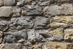 Wand hergestellt von den natürlichen Felsen Lizenzfreies Stockfoto