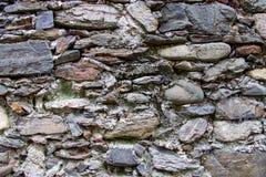 Wand hergestellt von den natürlichen Felsen Lizenzfreies Stockbild