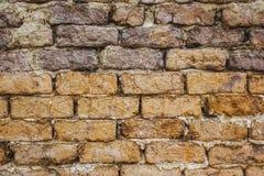 Wand hergestellt von einer Mischung des ungebackenen Lehms und des Strohs Stockbilder