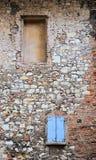 Wand im mittelalterlichen Schloss Stockbilder