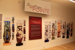 Wand mit Bildern von Pointe-Ballettpantoffeln, Nationaltanz-Museum, Saratoga Springs, New York, 2015 Stockbilder