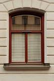 Wand mit Fenster Stockbild