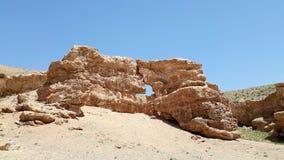 Wand mit gelbem Sand an Sharyn Canyon-Landschaft in Kasachstan lizenzfreie stockfotos