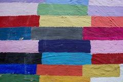 Wand mit hellem Muster in der Form des Rechtecks lizenzfreie stockfotos