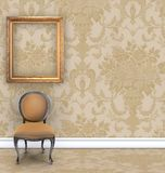 Wand mit Rich Tan Damask Wallpaper und Raum für Text lizenzfreie stockfotos