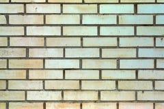 Wand mit Sand-farbigen Ziegelsteinen Lizenzfreies Stockbild
