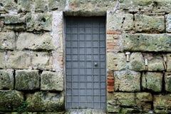 Wand mit Tür Stockbild