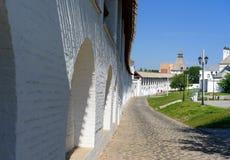 Wand vom Kreml in Astrakhan Russland Stockfotos