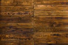 Wand von Brettern mit Nägeln Zweige, Wandbeschaffenheit Lizenzfreies Stockfoto