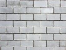 Wand von einem großen Schlackenbetonblock Lizenzfreies Stockbild